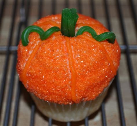 Pumpkin Decorated Cupcakes by 17 Best Images About Fall Cupcakes On Cupcake