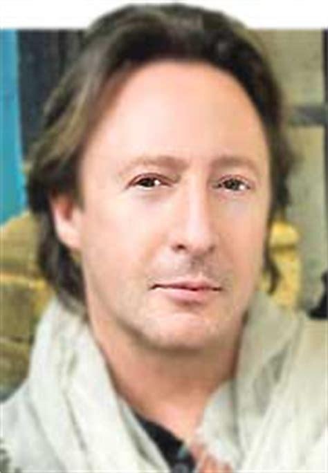 john lennon biography resumida en ingles julian lennon
