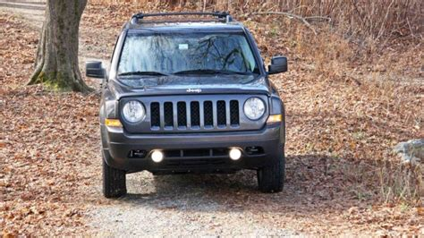 Jeep Patriot Competitors Jeep S Compact Patriot Still Earning Its Keep
