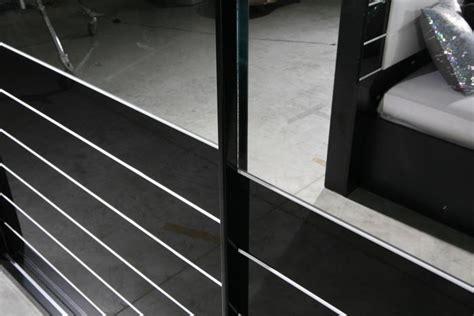 kleiderschrank weiß hochglanz günstig wandfarbe im schlafzimmer nach feng shui