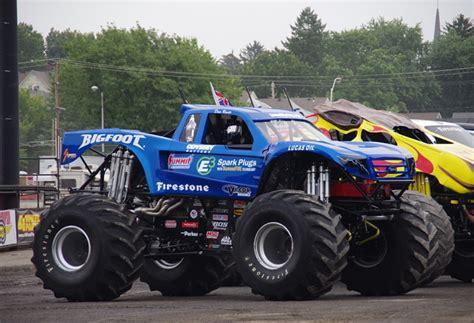 Bigfoot Monster Truck 920 66 Thethrottle Bigfoot Truck