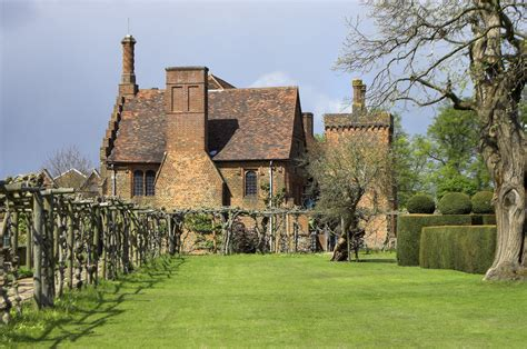 File:Hatfield House   the Old Palace   geograph.org.uk