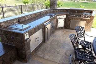 Backyard Patios On A Budget by Custom Outdoor Bars Kitchens Kitchen Islands Amp Bbq