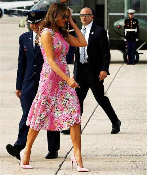 Dress Style Co melania flaunts figure in floral dress with
