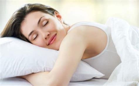 position du lit pour mieux dormir conseils pour mieux dormir vivre en aidant