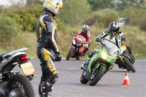 Motorrad Fahrtechnik aktiv motorrad fahrtechnik