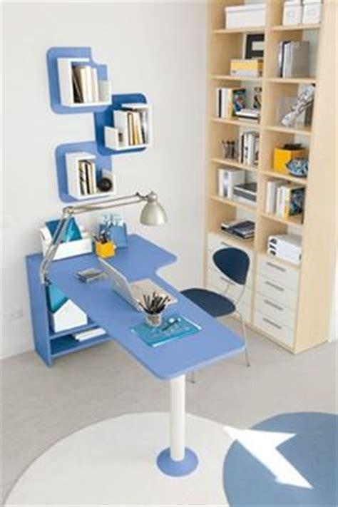 scrivania colombini cameretta golf scrivania in lilla e bianco opaco