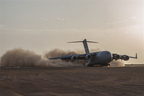Gao Search File Boeing C 17 Landing At Gao Airport Mali Jpg Wikimedia Commons