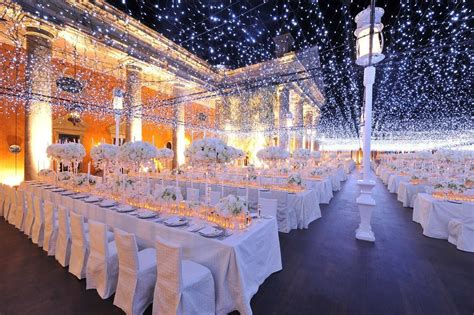 24 Weddings That Really Brought The Wow Factor With Lights Wedding Reception