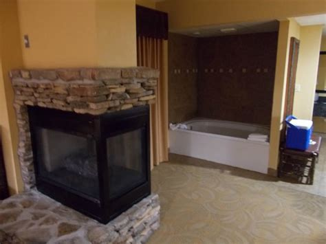 gatlinburg hotels with fireplaces fireplace tub picture of creek lodge
