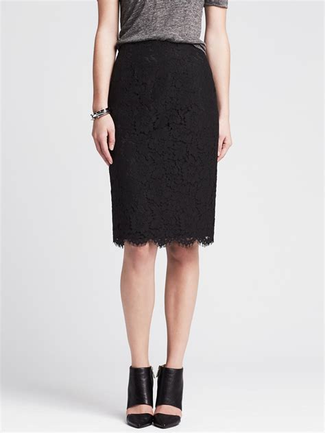banana republic scalloped lace pencil skirt in black br