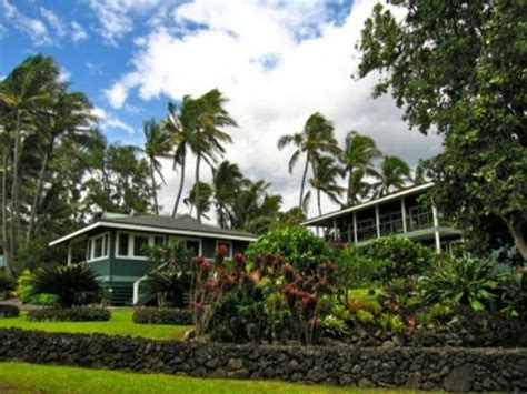 Hana Cottage Rentals hana oceanfront cottages updated 2017 prices reviews