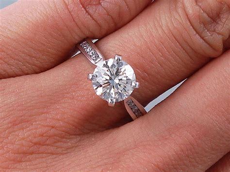 1.82 CTW ROUND BRILLIANT CUT DIAMOND ENGAGEMENT RING H VS2