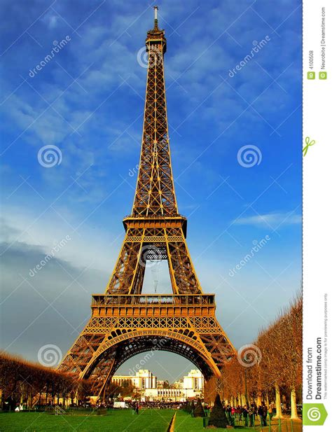 löwe tore eiffel tower at daylight royalty free stock photos