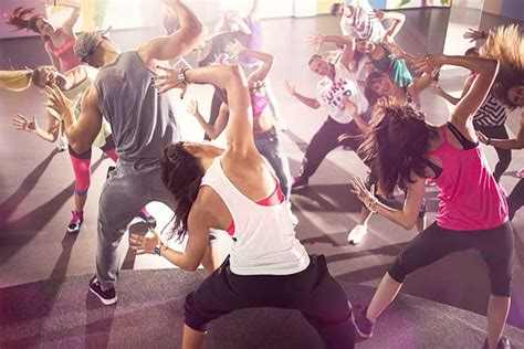 tutorial zumba fitness en español zumba fitness la danse 233 lectrisante 224 la port 233 e de tous
