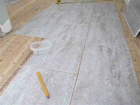 Plywood For Tiling Floors by Flooring Tips On How To Tile Bathroom Floor With Plywood