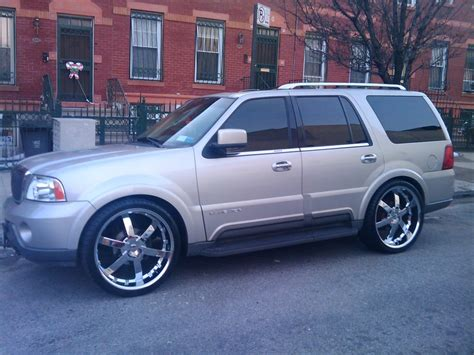 Lincoln Navigator 2004 With Rims Image 317