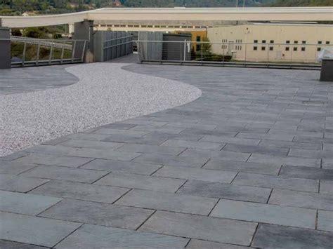 giardini piastrellati pavimento per esterni effetto pietra benacus 174 pietra