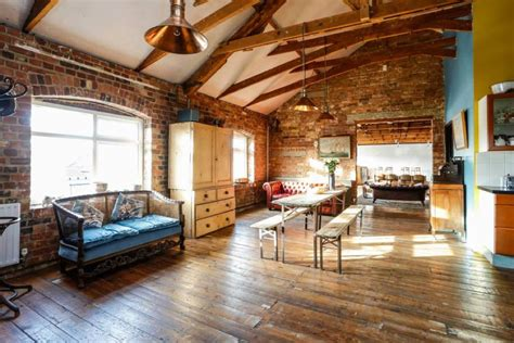 Warehouse Appartments by A Stunning Warehouse Loft Apartment In Central