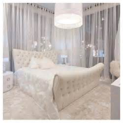 bedroom white interiors