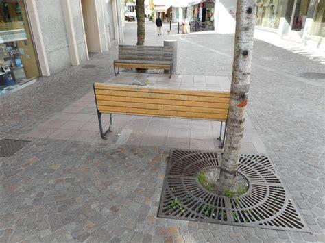 alberi arredo urbano griglie in ghisa per alberi eurobeton