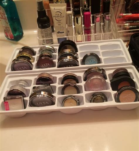 Tempat Perkakas 18 Sekat 18 inspirasi rak make up minimalis untuk kamarmu yang sempit dan sering berantakan