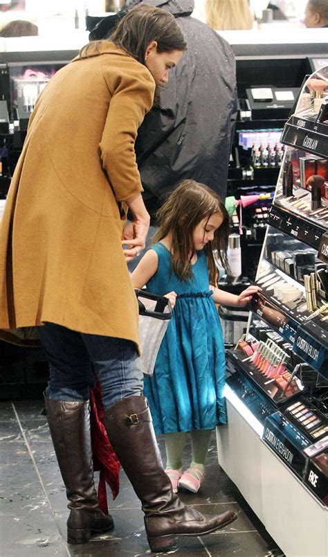 Holmess Shopping Spree For Suri by Suri Cruise Goes On A Makeup Shopping Spree At Sephora