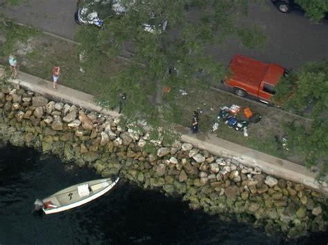 boat crash davis island boat crash near davis islands kills 1 seriously injures