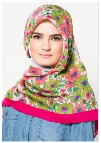 Jilbab Segiempat Motif 10 koleksi foto jilbab segi empat motif bunga terbaru