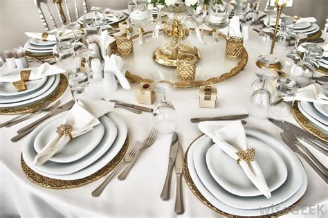 fancy place setting how do i set a formal table with pictures