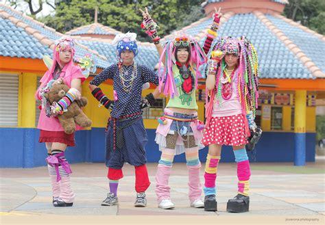Parel Mata Boneka jejepangann melihat gaya harjuku