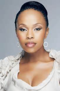 sindi dlathu hair hairstyle for thandaza from muvhango
