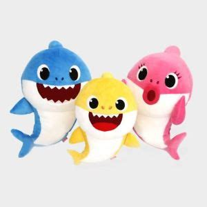 baby shark family pinkfong shark family sound dolls mom dad baby 3 songs