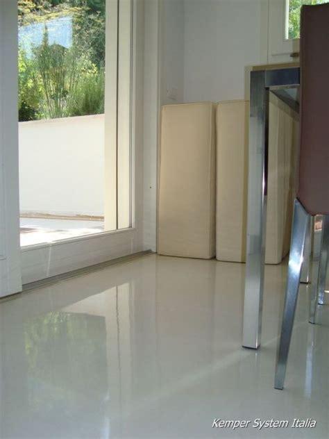 pavimenti vetroresina cucina in resina autolivellante pavimenti in resina