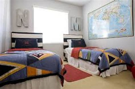 how to arrange small bedroom how to arrange a small bedroom with a twin bed 5 steps