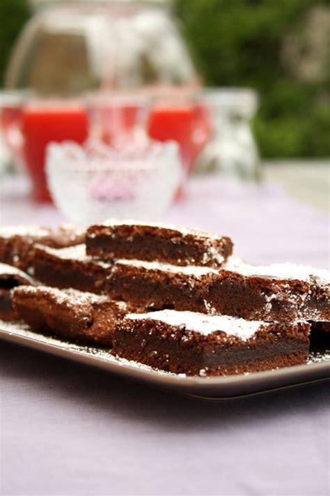 schneller nutella kuchen rezept der einfachste nutella kuchen der welt mit nur 2