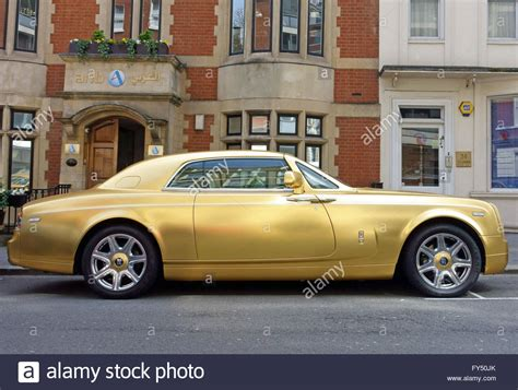 rolls royce ghost gold 100 rolls royce gold and red my 36 hours in a rolls