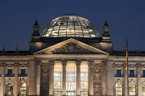 cupola reichstag free stock photo 7095 the reichstag building at