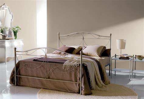 letto in ferro battuto bontempi letto cimabue di ingenia di bontempi in ferro laccato o