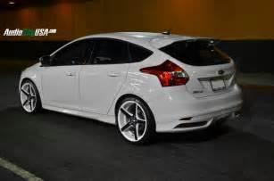 2014 ford focus st on 19 quot str 607 white windows black