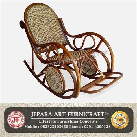 Kursi Rotan Goyang jangan lewatkan kursi goyang rotan antik termurah