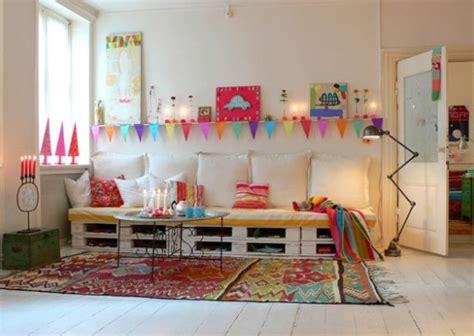Kinderzimmer Weihnachtlich Gestalten by Kinderzimmer Gestalten Mit Sofa Aus Europaletten Freshouse