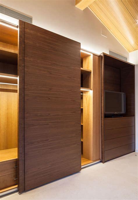 sf  sistemas herrajes mecanismos  puertas correderas muebles  armarios de madera saheco