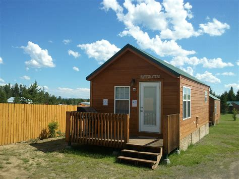 cabins by subdivision cabin rentals near yellowstone