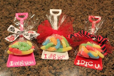 i dig you party favors single purchase valentine party favor shovels with gummy