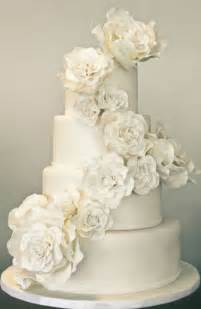 a sweet soiree blogspot all white wedding cakes