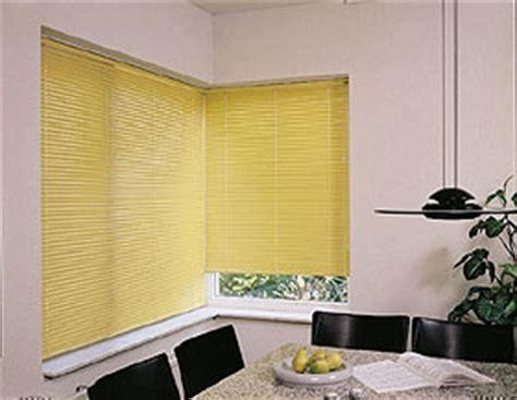 jalousie eckfenster jalousien fl 228 chenvorh 228 nge vertikallamellen