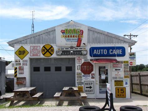 Joe S Garage Bbq Bakery Clay City Usa