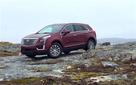cadillac jeep 2017 comparison cadillac xt5 base 2017 vs jeep grand