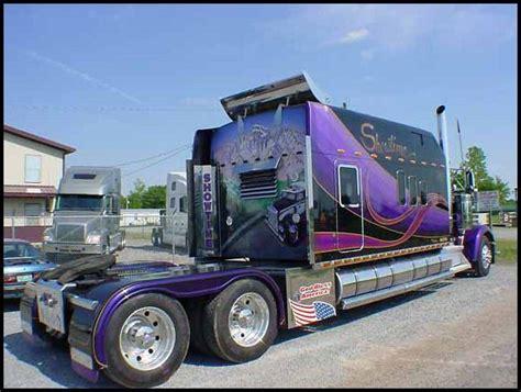 big rig   massive custom bunk high  paint  mural    truck